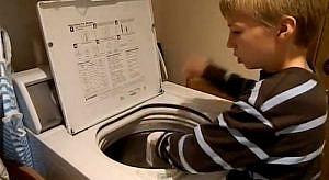 10歳の洗濯機ニストの少年に、音楽の原点を見た!おまけで、おデブちゃんも♪